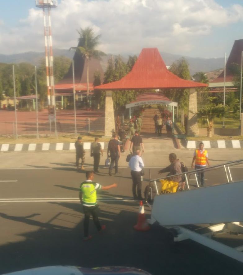 2019 Celebraties Disembarking at Airport